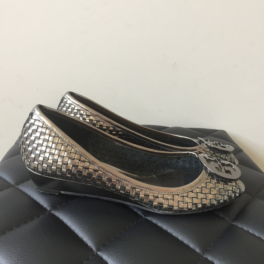 0e69eb98c021d4 Tory Burch Pewter Woven Peep Toe Wedges Size 7