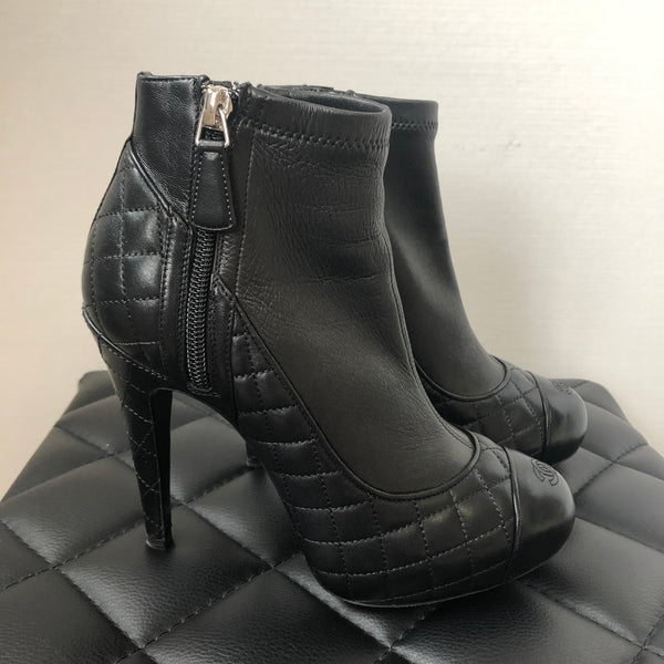Chanel Black Quilted Bottines Booties Size 36