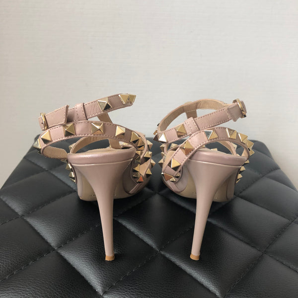 Valentino Beige Patent Leather Rockstud Pumps Size 38
