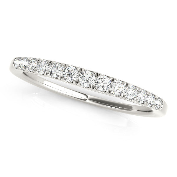 Prong Set Graduated Diamond Wedding Band