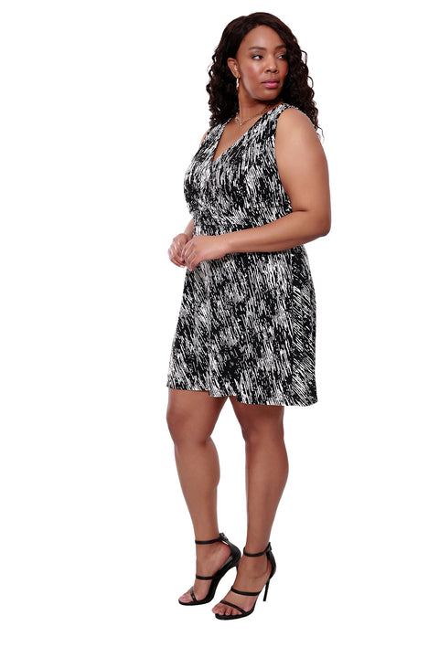 Black and White Print Sleveless Dress - PLUS SIZE