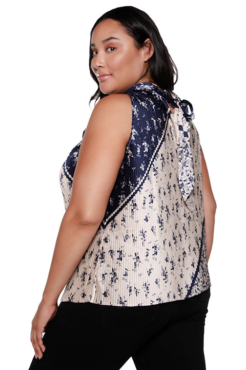 Women's Pleated Tie Neck Floral Halter Top | Curvy
