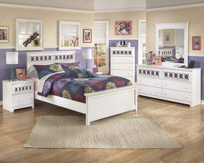 Ashley Zayley 4 PC. Youth Bedroom Set