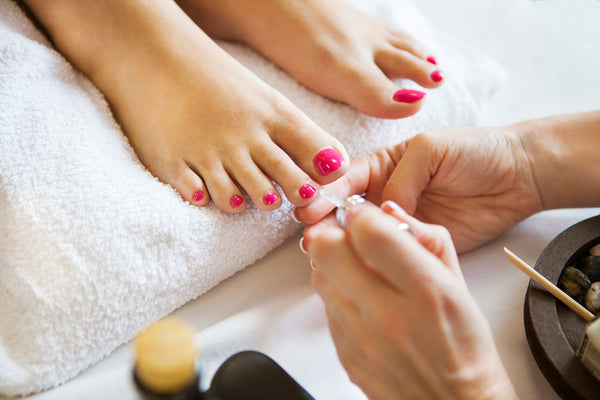 Shellac Pedicure - Laura's Beauty Touch, Spa Services in Rego Park, New York 11374