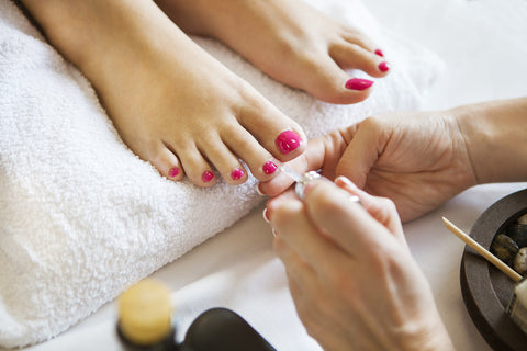 Regular pedicure - Laura's Beauty Touch, Spa Services in Rego Park, New York 11374