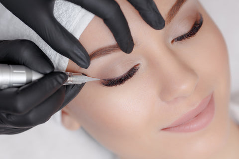 Permanent Eyelid Make Up - Laura's Beauty Touch, Spa Services in Rego Park, New York 11374