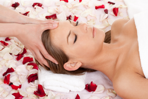 Best Valentine's gift is a gift of Relaxation - Laura's Beauty Touch, Spa Services in Rego Park, New York 11374