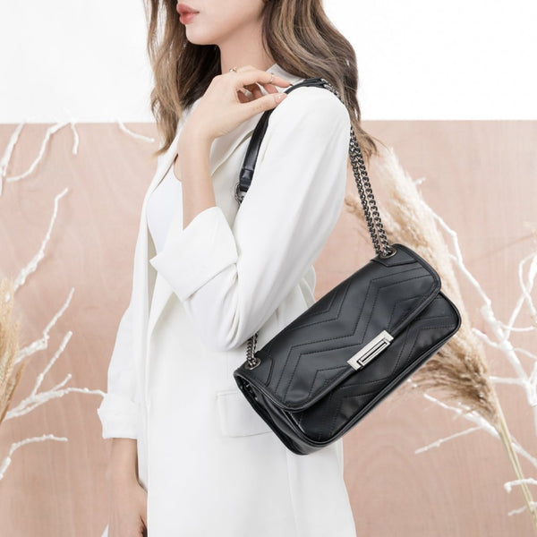 vegan, cruelty free, handbag, bag, purse, faux leather, shoulder, medium, silver hardware, black
