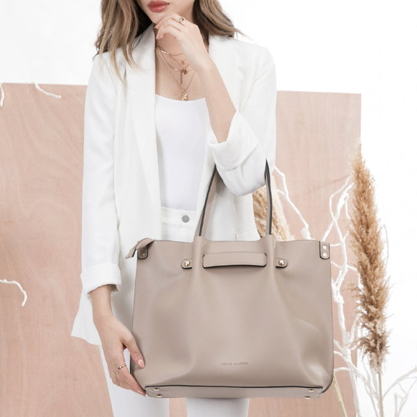 vegan, cruelty free, handbag, bag, purse, faux leather, animal friendly, sustainable fashion, shoulder bag, tote, large, nude, tan, beige