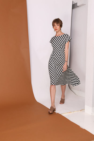 QUEEN OF HEARTS | Diagonal Stripes Heart Asymetric Dress