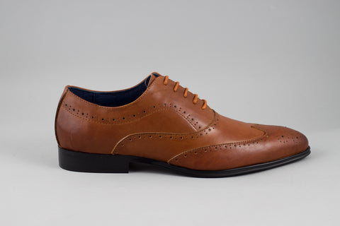 Remus Uomo Leather Wingtip Brogue in Tan