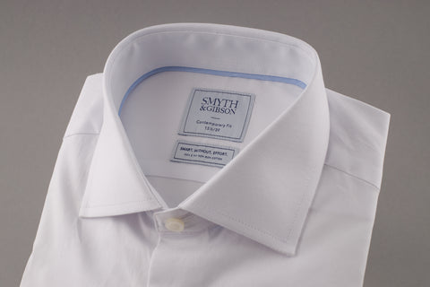 Classic White Oxford Shirt with Cutaway Collar