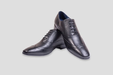 Remus Uomo Leather Wingtip Brogue Oxford Shoe in Navy - Smyth & Gibson Shirts