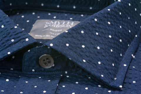 Smyth & Gibson Short Sleeve Polka Dot Seersucker Shirt in Navy