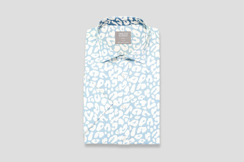 Smyth & Gibson Short Sleeve Abstract Print Shirt in Sky Blue with Contrast Collar