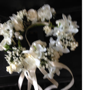 Candle - Vintage cream flower ring  collect and return hire