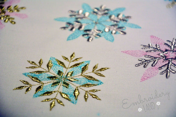 11 pcs Two Colors Snowflakes Set CHR085