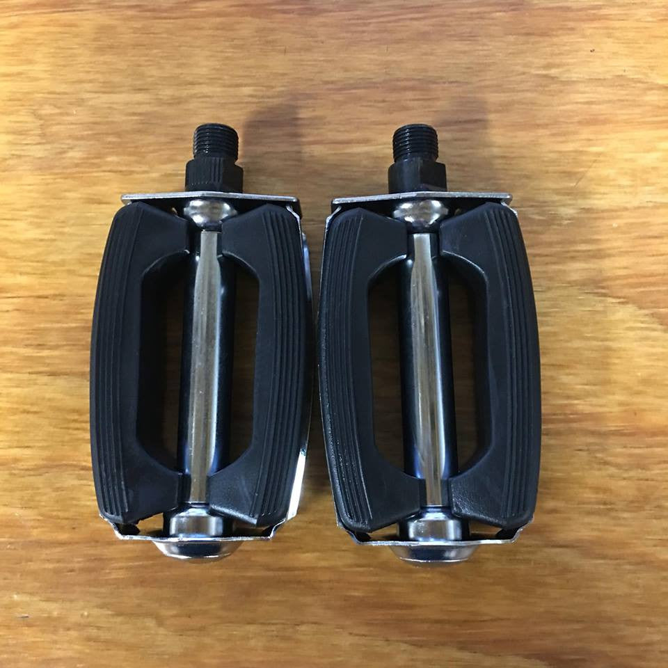 "BICYCLE BOW PEDALS FOR HUFFY SEARS AMF ROADMASTER BIKES 9/16"" THREAD"