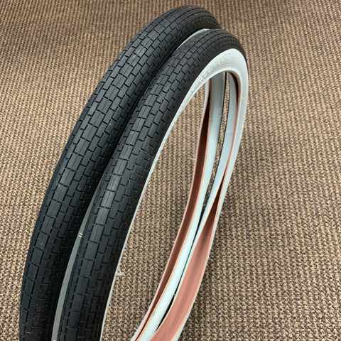 SCHWINN PHANTOM TYPHOON CORD TIRES 26 X 2.125 S-2 MINT PHANTOM B-6 AUTOCYCLE