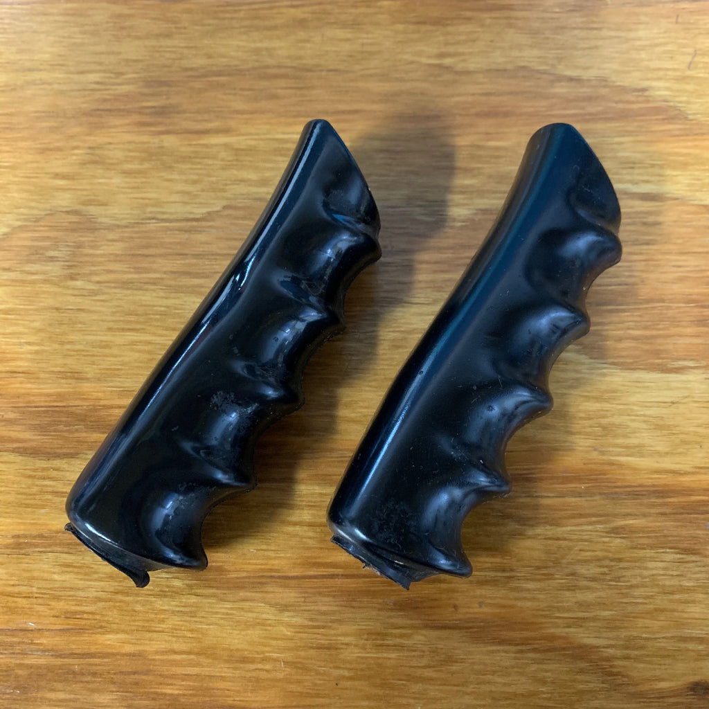 VINTAGE BICYCLE GRIPS AUSTRIA MADE BLACK FITS HUFFY, SEARS AND MANY BIKES NOS