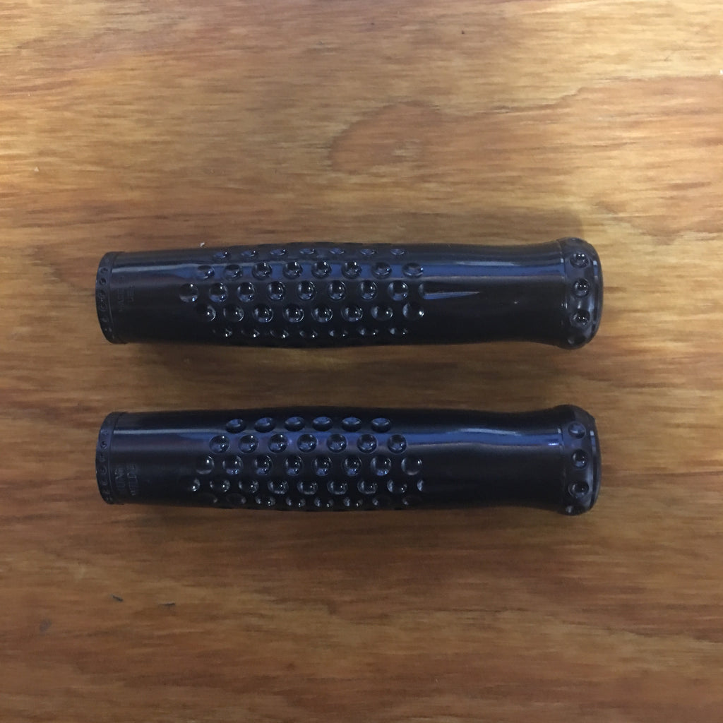 BICYCLE GRIPS HUNT WILDE BLACK RARE FITS MANY BIKES NOS