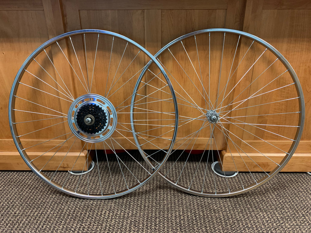 BICYCLE WHEELS 27 X 1-1/4 FIT SCHWINN HUFFY SEARS NEW