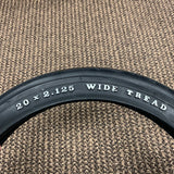 SCHWINN STING-RAY TIRE REAR SLIK GENUINE 20 X 2.125 MINT APPLE KRATE WITH TUBE