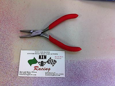 KOR/4.5 Inch Mini Economy Flat Narrow Nose Pliers Red