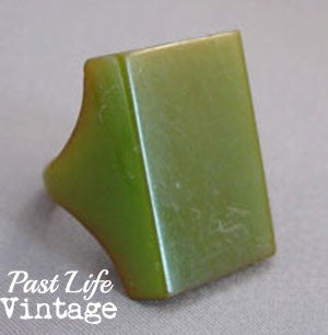 Green Bakelite Ring Vintage Art Deco 1940's 6.5