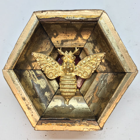 Gilt Frame with Victorian Bee (3