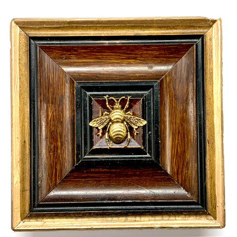 Wooden Frame with Grande Bee (6
