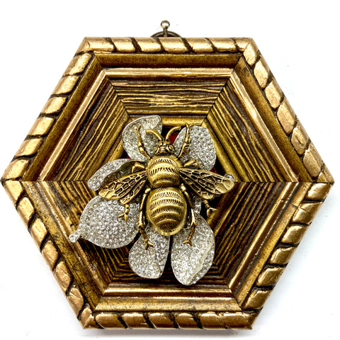 Gilt Frame with Grande Bee on Brooch (4.5
