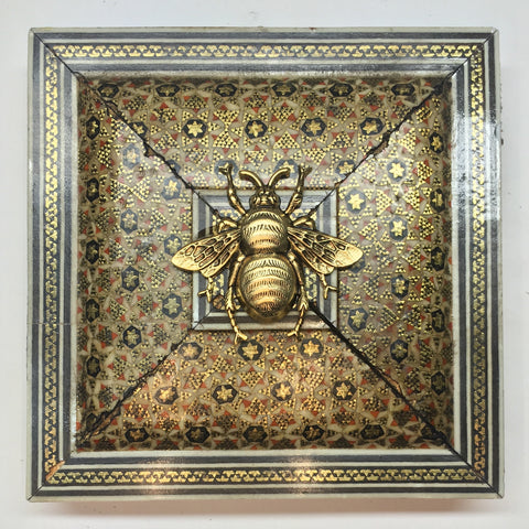 Micro Mosaic Frame with Grande Bee (4.25