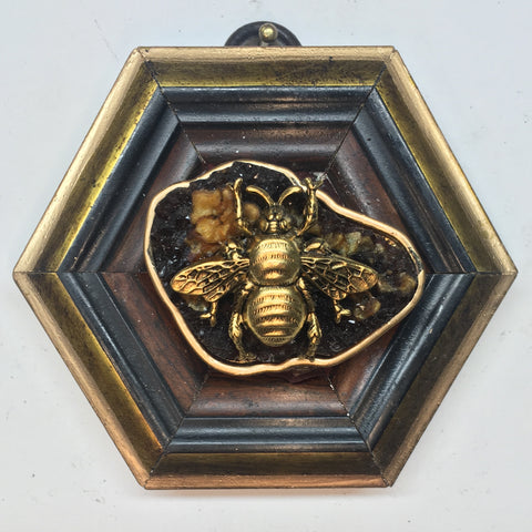 Wooden Frame with Grande Bee on Stone (3.5