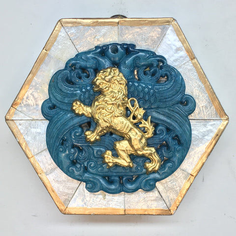 Mother of Pearl Frame with English Lion on Jade Piece (4
