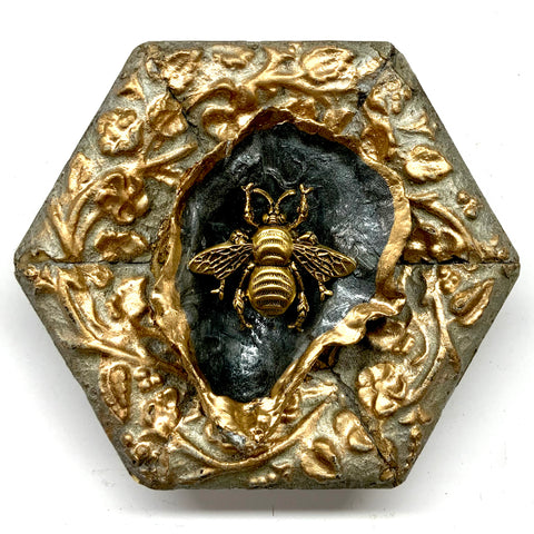 Painted Frame with Grande Bee on Oyster Shell (3.75