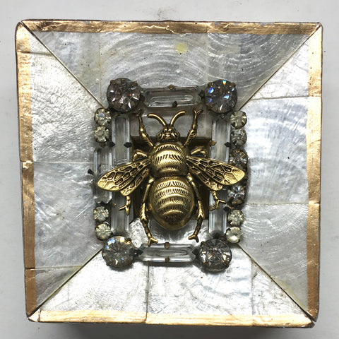 Mother of Pearl Frame with Grande Bee on Brooch (3.25