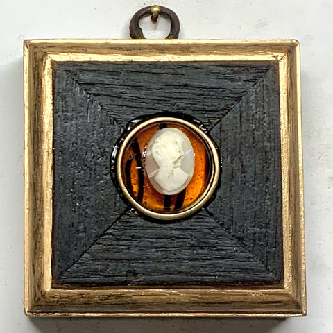 Bourbon Barrel Frame with Cameo (3