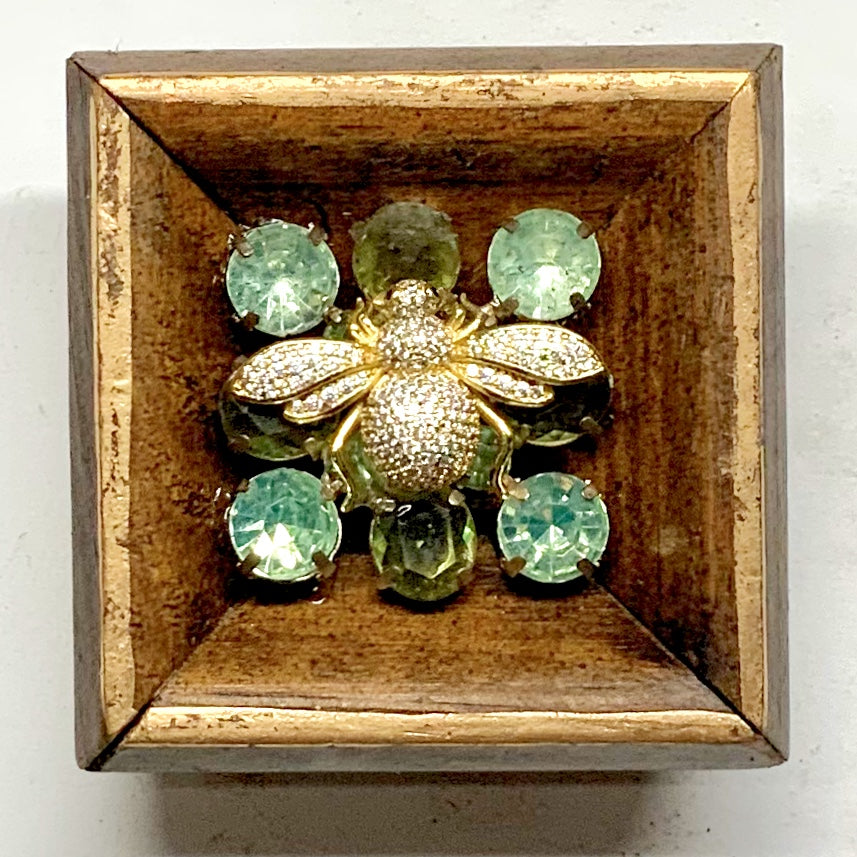 Gilt Frame with Sparkle Bee on Brooch (2.75