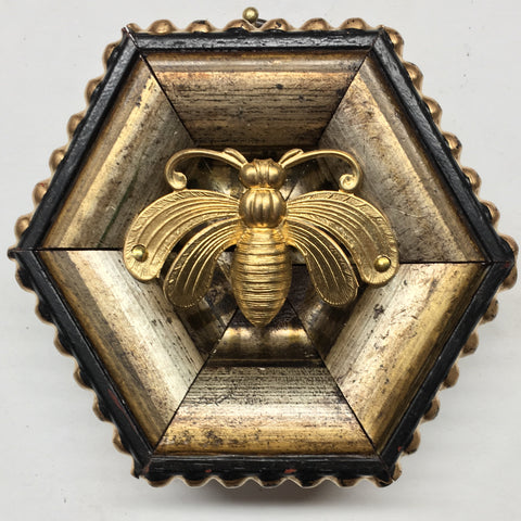 Gilt Frame with Deco Bee (3.5