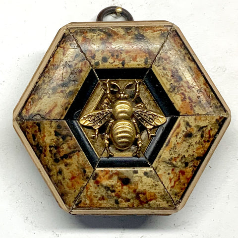 Marbled Frame with Grande Bee (3.25