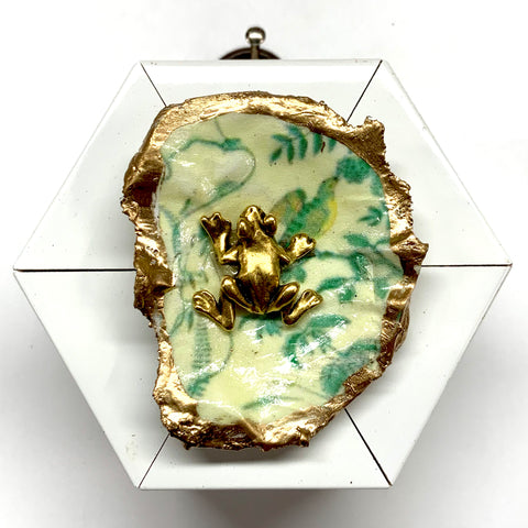 Lacquered Frame with Frog on Oyster Shell (2.75