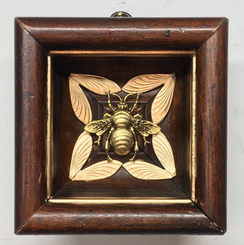 Wooden Frame with Grande Bee (4.25