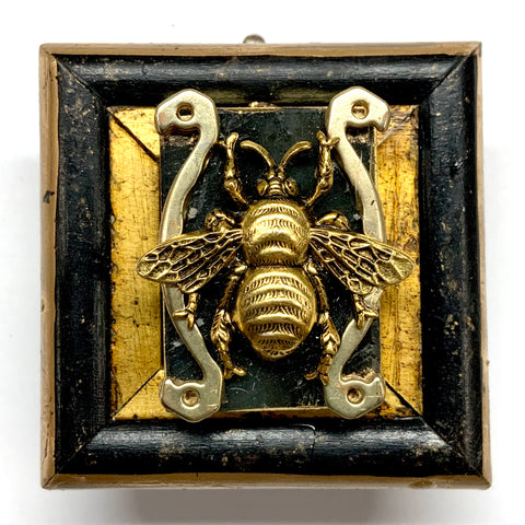 Lacquered Frame with Grande Bee on Stone (2.25