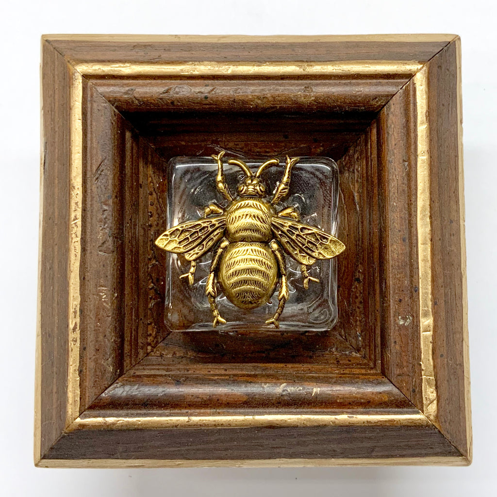 Wooden Frame with Grande Bee on Salt Cellar (4