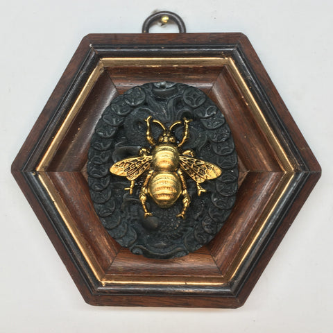 Wooden Frame with Grande Bee on Jade (3.75