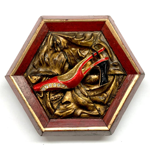 Lacquered Frame with Enameled Shoe Brooch (4