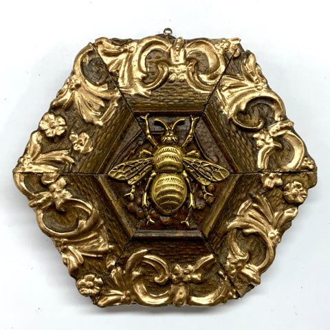 Gilt Frame with Grande Bee (4.25