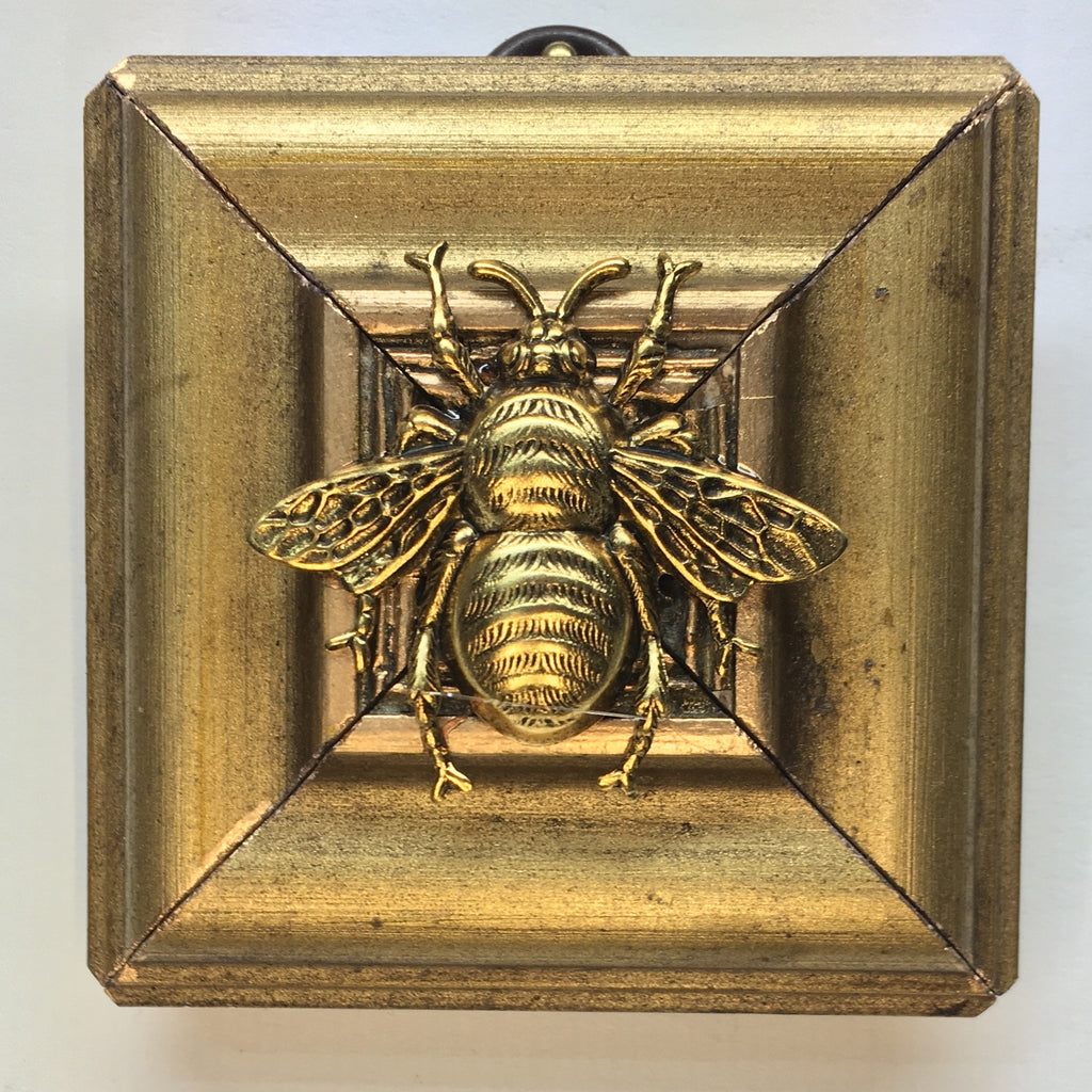 Gilt Frame with Grande Bee (2.75