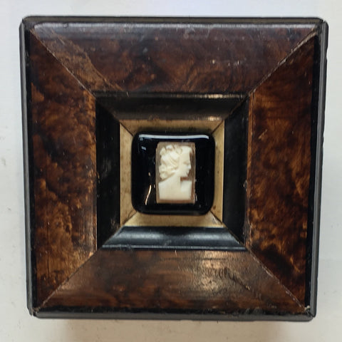 Burled Frame with Cameo (2.75